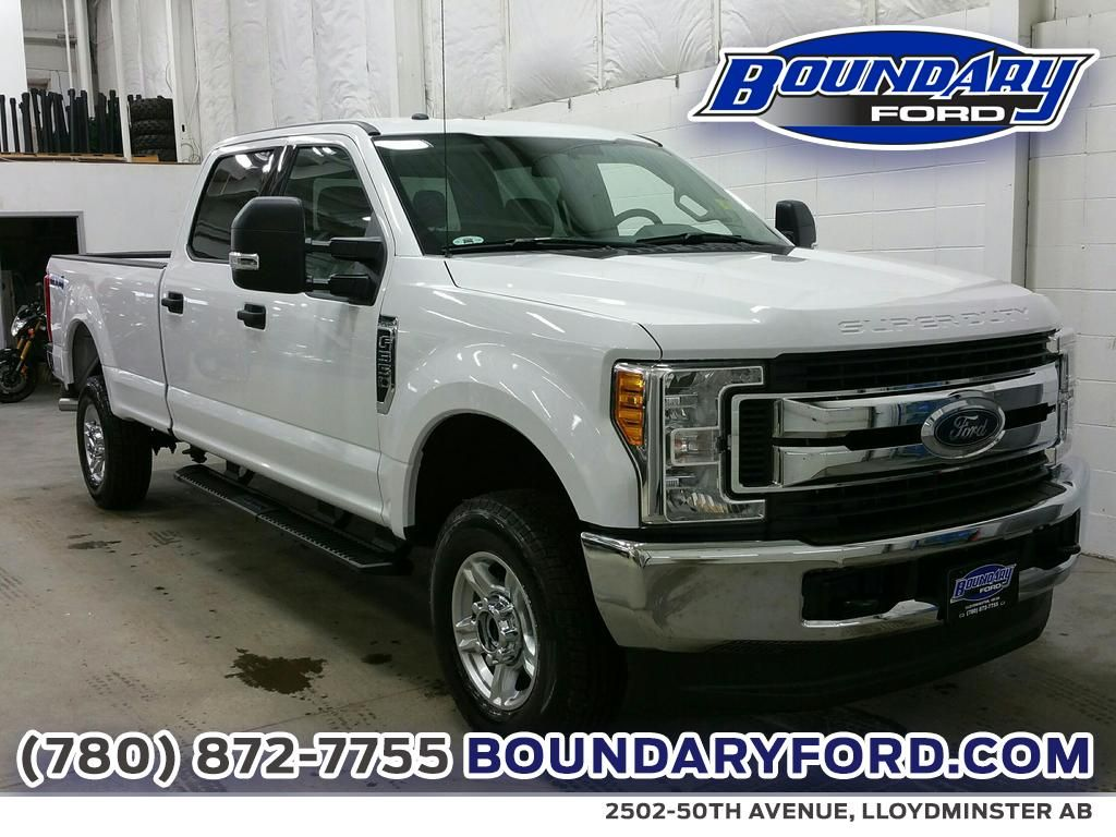 new 2017 ford super duty f 350 srw xlt 4 door pickup in lloydminster 17t009 boundary ford. Black Bedroom Furniture Sets. Home Design Ideas